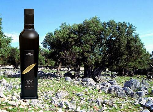 olivenoel-from-istria